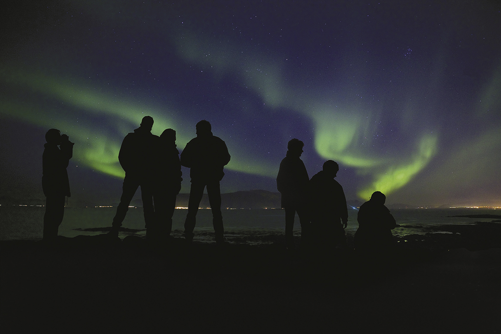 iceland northern lights tour flights to iceland northern. Black Bedroom Furniture Sets. Home Design Ideas
