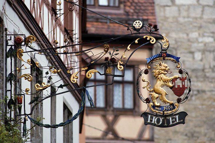 book a flight to frankfurt