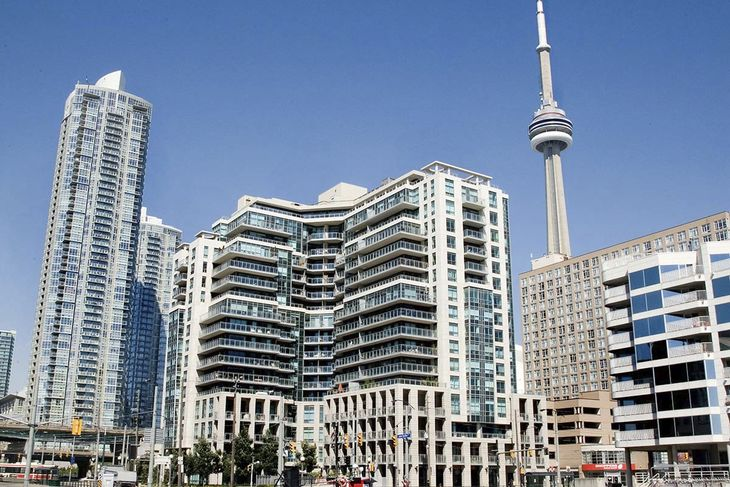 Hotels near Toronto Airport