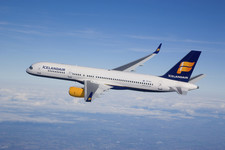For the first time Icelandair carries more than 300.000 passengers in one month